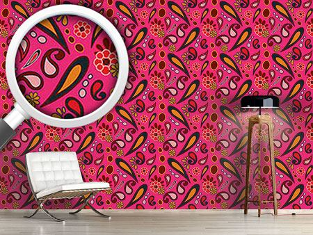 Design Wallpaper Beebob Paisley Fuchsia
