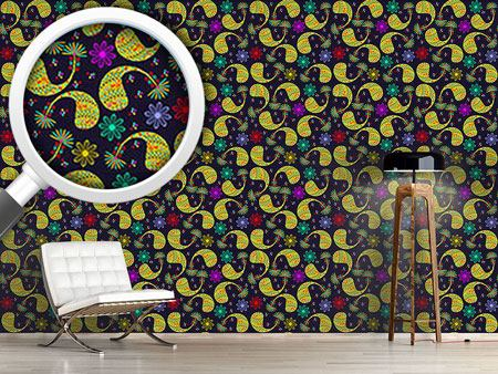 Design Wallpaper Paisley And Flower At Night