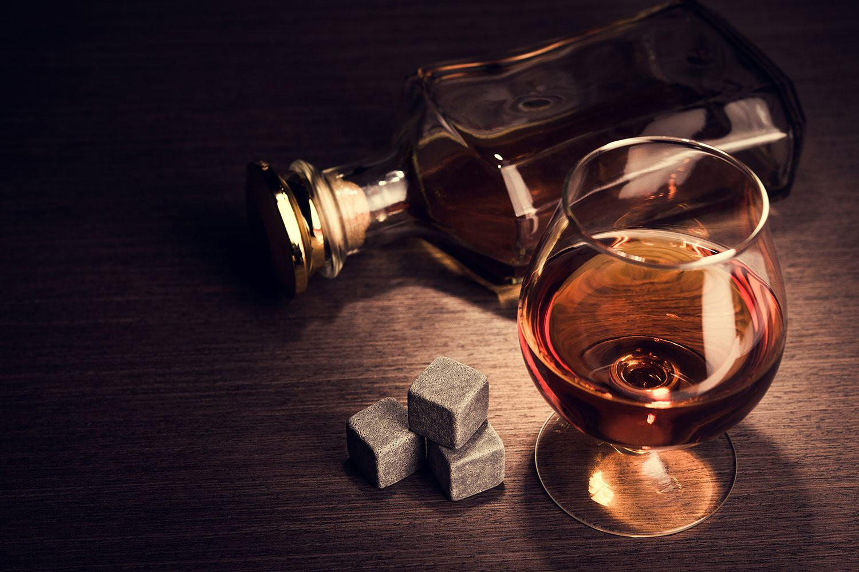 Fototapete Ein Glas Cognac